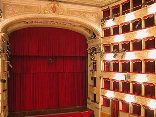 teatro manzoni monza foto